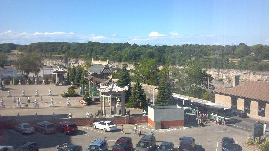 Ramada Niagara Falls by the River: View of the bus station/gorge area