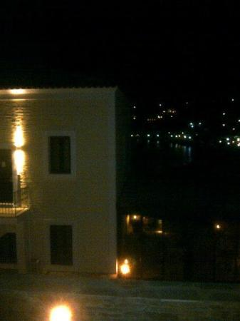 Krinos Suites Hotel: Krinos at night
