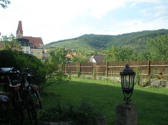"""Renaissancehotel """"Raffelsberger Hof"""": View from back"""
