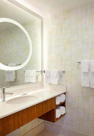 SpringHill Suites Enid: Bathroom
