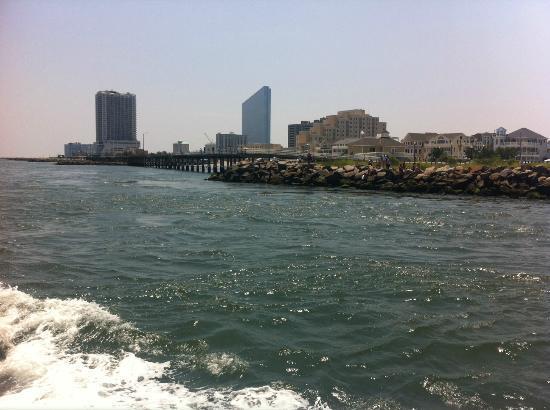 Atlantic City Cruises: Behind the ship