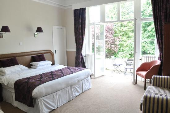 Lincombe Hall Hotel: Gold Patio Bedroom