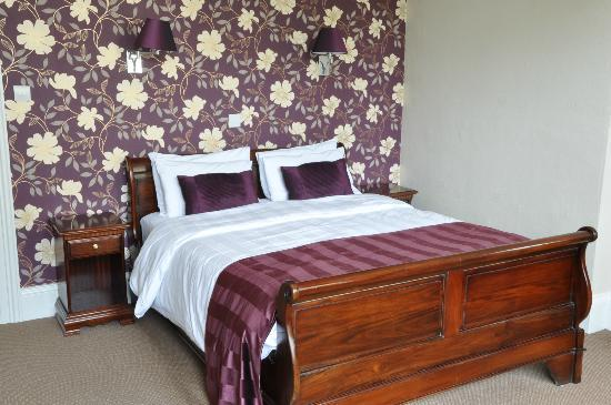 Lincombe Hall Hotel: Superior Bedroom