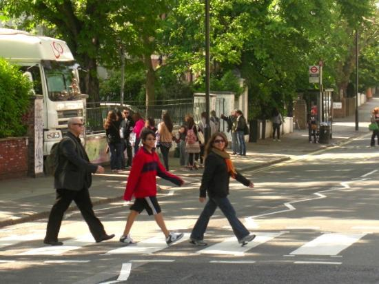 The New London Carlton Hotel: Zebra crossing at Abbey Road, made famous by the Beatles!