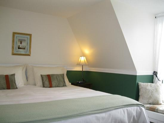 Little York Bed & Breakfast: The Loft - King Bedroom