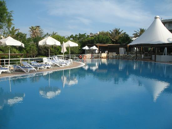 Agapi Beach Hotel: Main pool