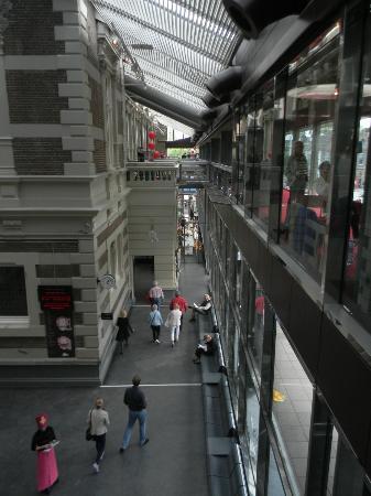 Concertgebouw hallway