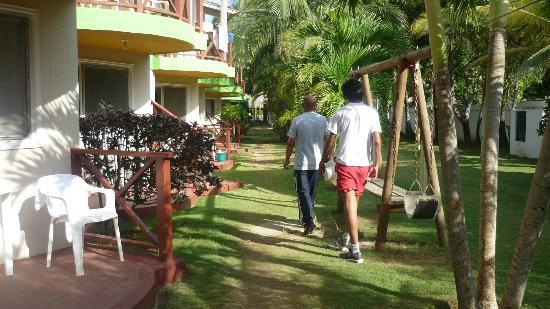 Hotel Nitana: Camino a las habitaciones
