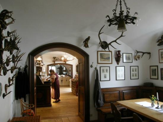 Klostergasthof Raitenhaslach: History, everywhere you look