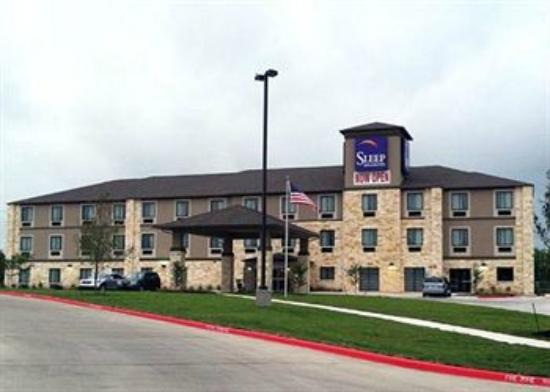 Sleep Inn & Suites: The hotel is just off of I-35