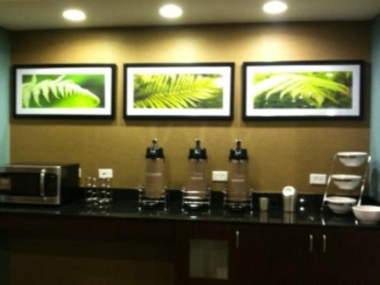 Sleep Inn & Suites: Complementary coffee is available 24/7