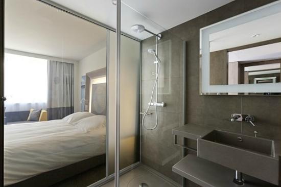 salle de bain - photo de novotel lyon confluence, lyon - tripadvisor - La Salle De Bains Lyon