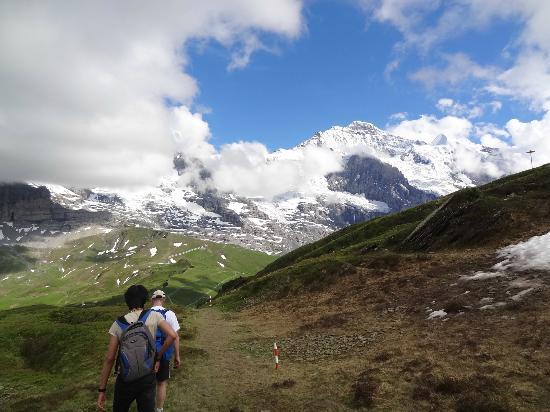 The Alpenhof: Panoramaweg vom Männlichen aus: Vom Alpenhof - Lauterbrunnen - Wengen - Männlichen