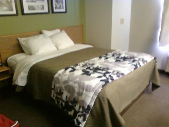 Sleep Inn Airport : very comfy bed