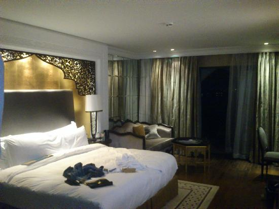 Jumeirah Zabeel Saray: Lovely well aquipped room
