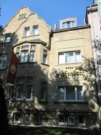Hotel Villa Achenbach: Front of hotel