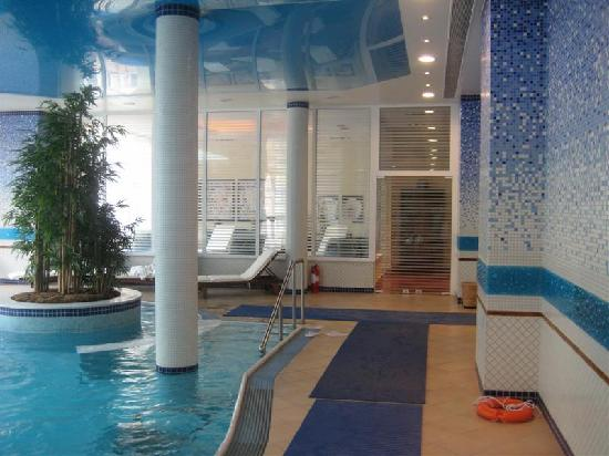 Thermae Platystomou Resort & Spa: interior of pool