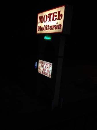 Motel Mediteran: 須是motel,亦有breakfast