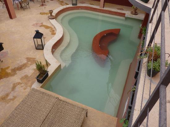 Riad Pegase: piscine