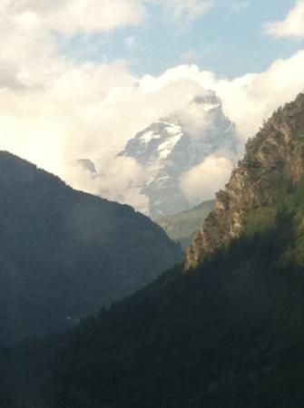 Rifugio Alpino L'Ermitage: sí, sullo sfondo il Cervino