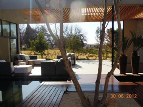 Lombardy Boutique Hotel & Conference Centre: Outside area of Spa