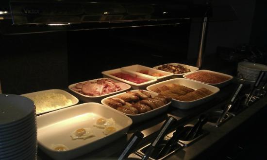 Premier Inn London Hanger Lane Hotel: breakfast