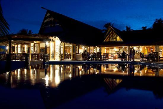 Matamanoa Island Resort : The restaurant and the entertainment area