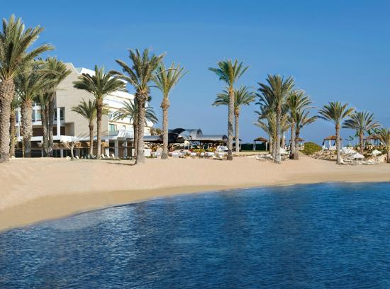 Constantinou Bros Pioneer Beach Hotel: Pioneer Beach Hotel - Beach