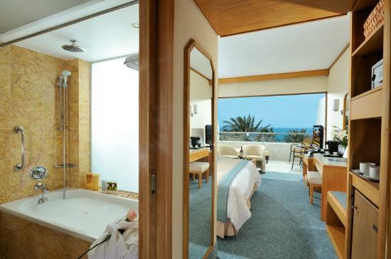 Constantinou Bros Pioneer Beach Hotel : Pioneer Beach Hotel - Superior Deluxe Room
