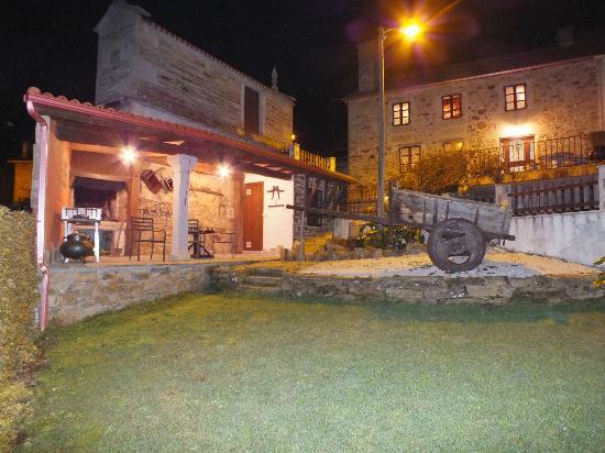 Casa de Verdes Turismo Rural: Jardín