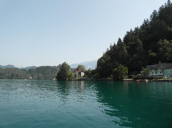 Vila Istra: Вид с озера Блед