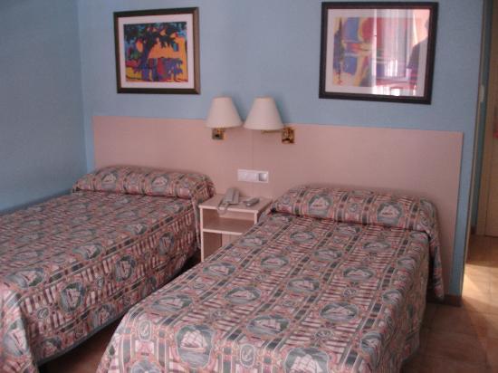 Hotel Patilla: CHAMBRE LITS JUMEAUX