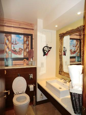 pirate themed room  picture of legoland resort hotel, windsor, Home design