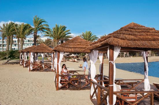คอนสแตนทิโน บรอส เอซิมินา สวีทส์ โฮเต็ล: Asimina Suites Hotel - Beach Cabanas