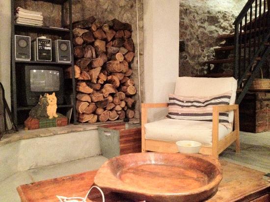 Settimo Cielo: living room-small cottage
