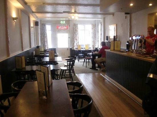 The Queens: Bar area