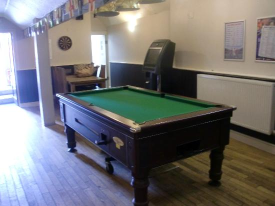 The Queens: Pool table