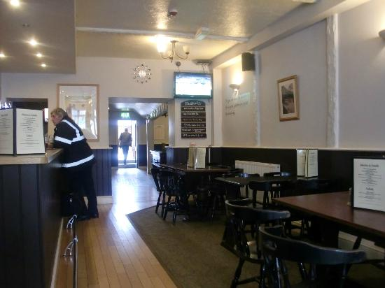 The Queens: Main bar area