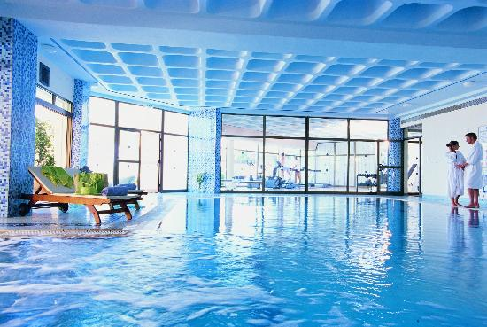 Constantinou Bros Athena Royal Beach Hotel: Athena Royal Beach Hotel - Indoor Heated Pool