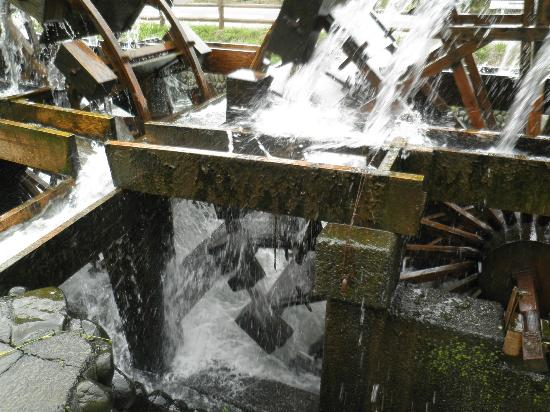 Asakura Three-stand Mill Wheel: 二連水車