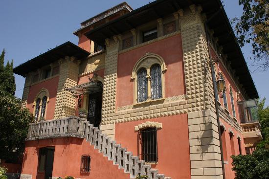 Relais 900: Blick auf die Villa