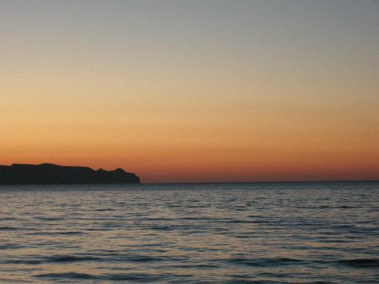 Sunny Bay Hotel: the beach