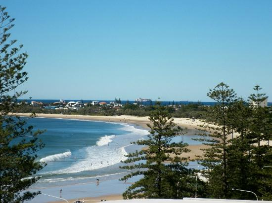 Malibu Mooloolaba Holiday Apartments: View from the right of our room