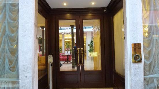 Hotel Bella Venezia: ingresso