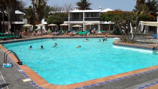 Apartamentos Barcarola Club: Pool area