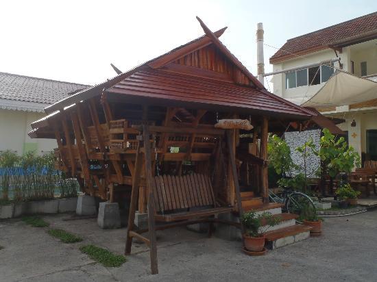 Phuket 7-inn: 敷地内