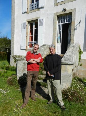 Manoir du Suguensou : Olivier (left) and guest