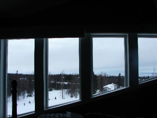 Alaska Sundance Retreat Bed and Breakfast, LLC: View from Forget-Me-Not Room #2