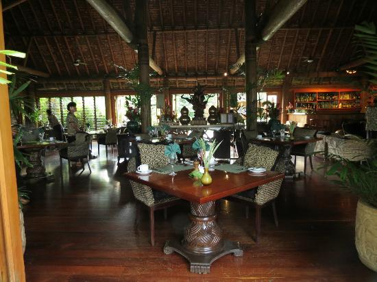 Namale Resort & Spa: Main Dining Bure