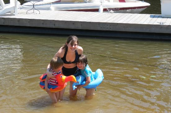 Rosseau's Northern Landing Bed and Breakfast: WATER FUN